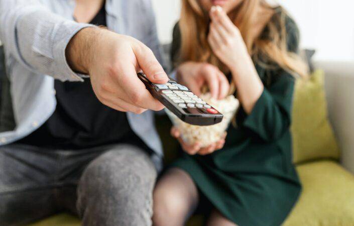 Tv-kijkend stel